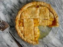 Fresh Peach Pie with Vanilla